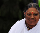 My experience with Amma, the hugging mother