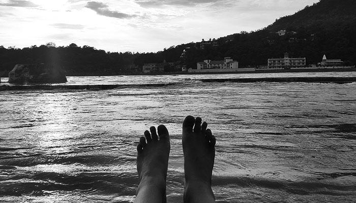 Bathing my feet in the ganges