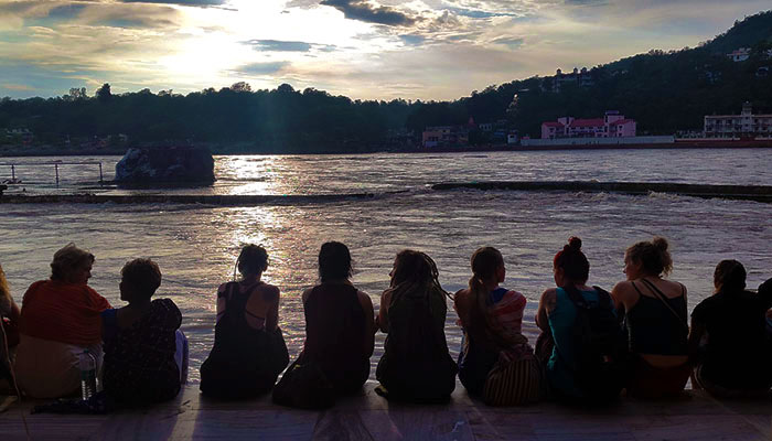sitting-by-the-ganges2