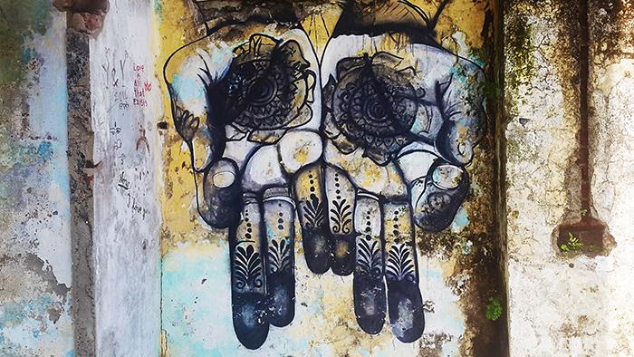 henna-hands-ashram-art