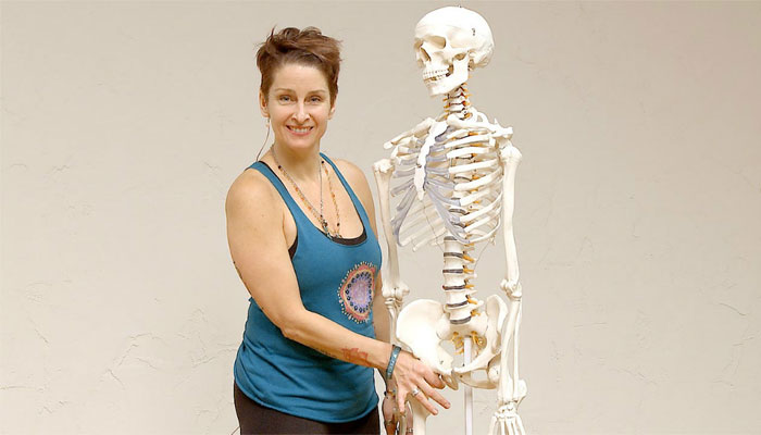 My 4 day hands on yoga anatomy immersion with Jennilee Toner and ...